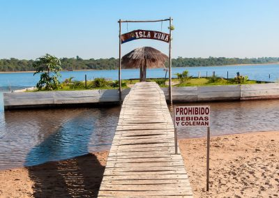Vista frontal Isla kuña - Ecotur Laguna Blanca