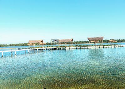 Vista desde tierra isla artificial - Ecotur Laguna Blanca